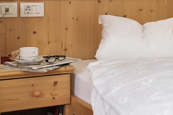 particolare legno camera senza balcone hotel villamadonna