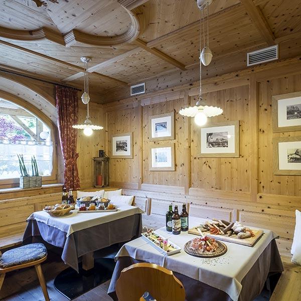 ristorante hotel villamadonna, pane, salumi, formaggi tipici