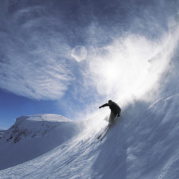 discesa ripida sulle piste da sci Alpe Siusi
